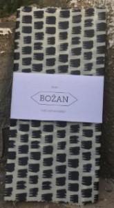 """Božan Voskovaný ubrousek """"černobílý"""" 28×40 cm"""