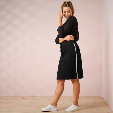 Úpletová sukně s kontrastními lemy