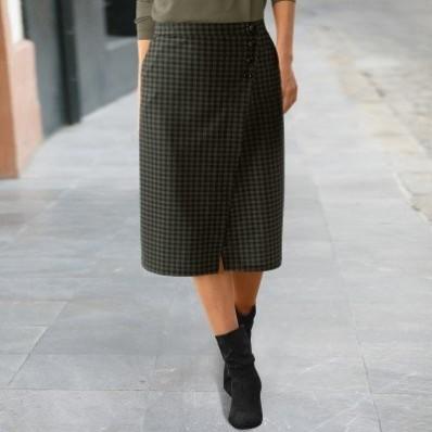 Puzdrová sukňa s kockovanou potlačou