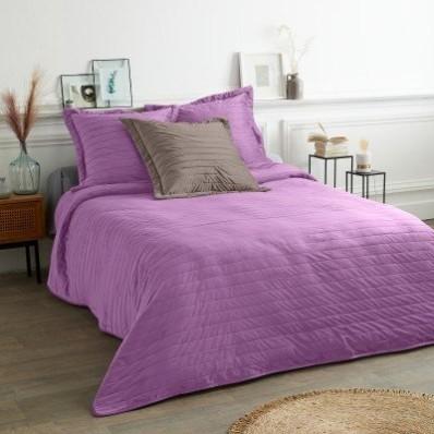 Prešívaná hebká prikrývka na posteľ