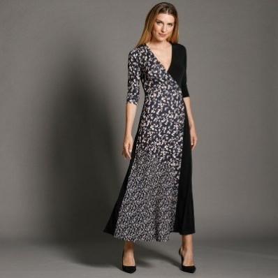 Dlhé šaty so zavinovacím výstrihom